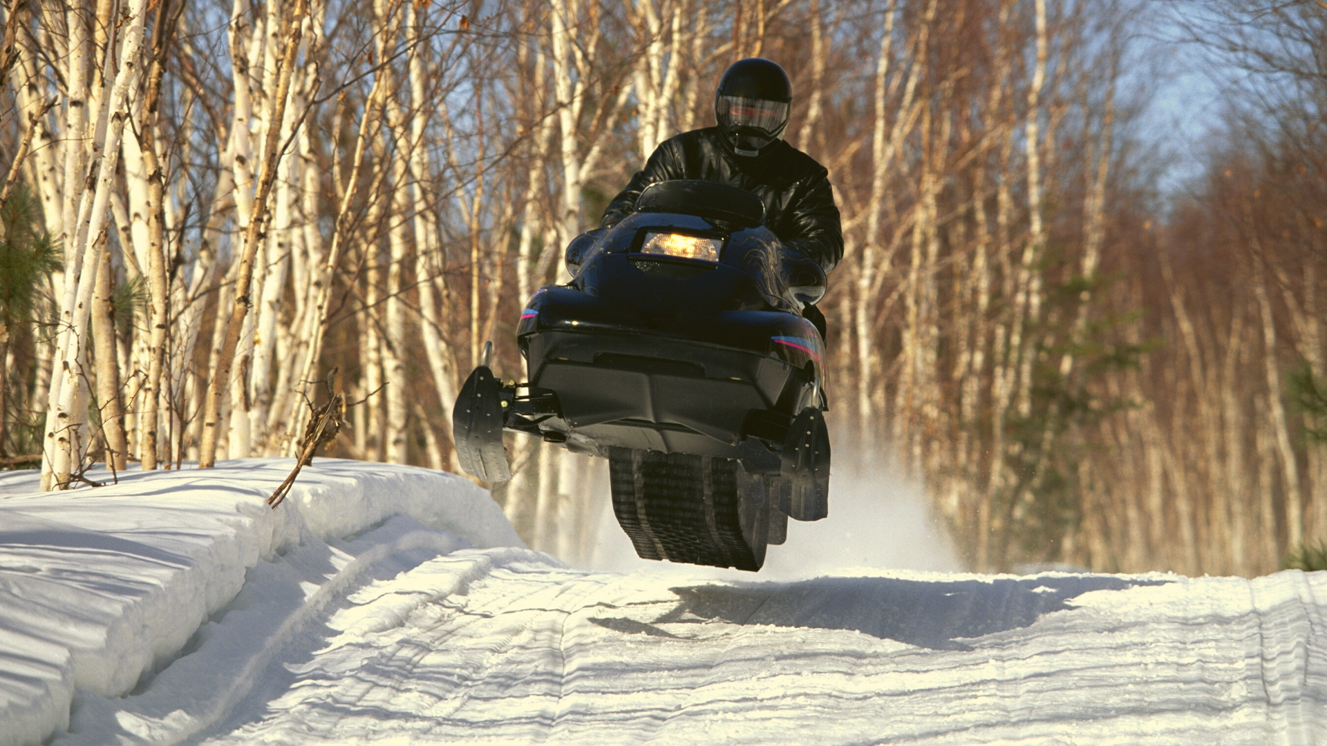 Cool snowmobile pictures